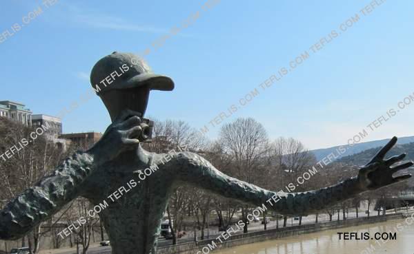 مجسمه ای در تفلیس