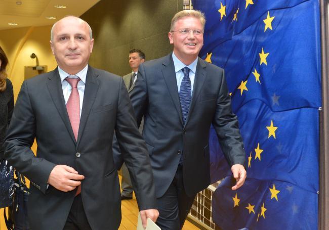 وانو مرابیشویلی - نخست وزیر گرجستان (نفر سمت چپ)