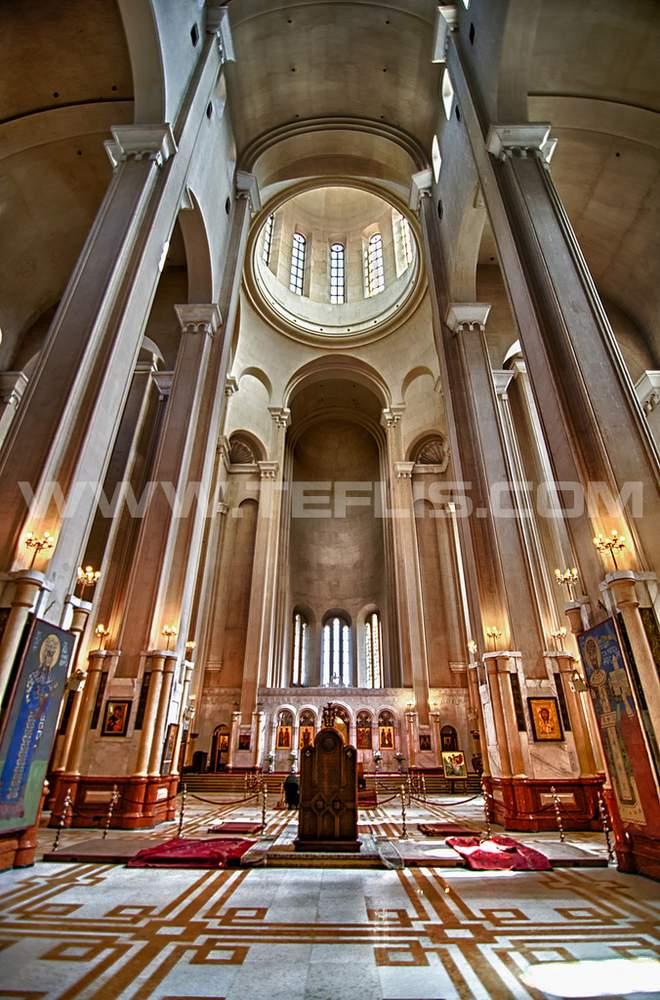 نمای داخلی کلیسای سامبا