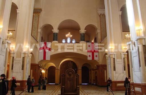 نمایی از داخل کلیسای سامبا