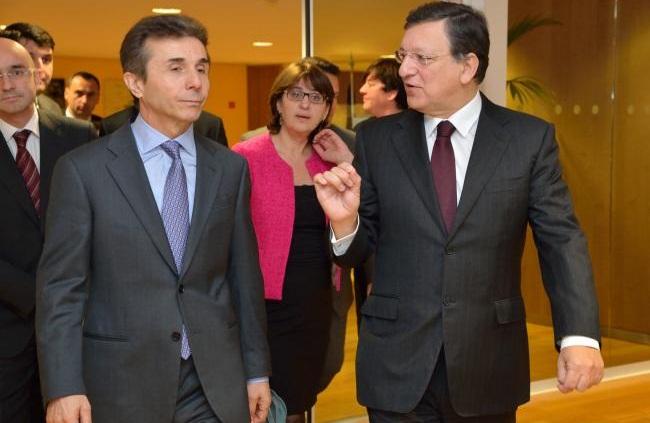 خوزه مانوئل باروسو (راست) - بیدزینا ایوانیشویلی (چپ)