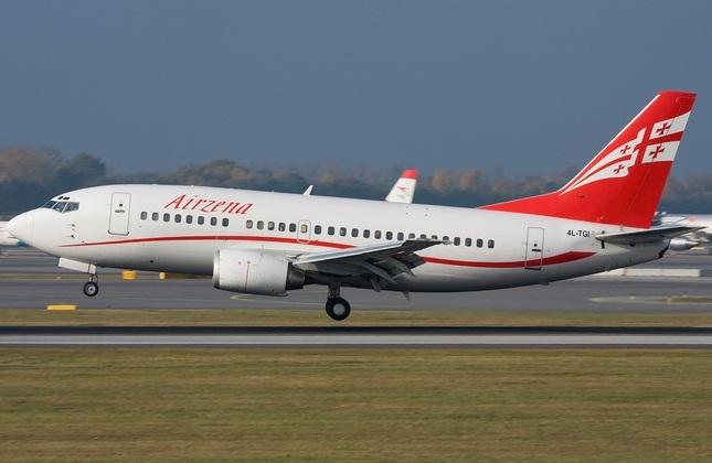 بوئینگ 737 هواپیمایی ملی گرجستان 'ایرزینا'