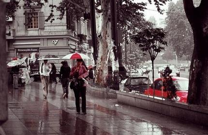 یک روز بارانی در تفلیس، گرجستان