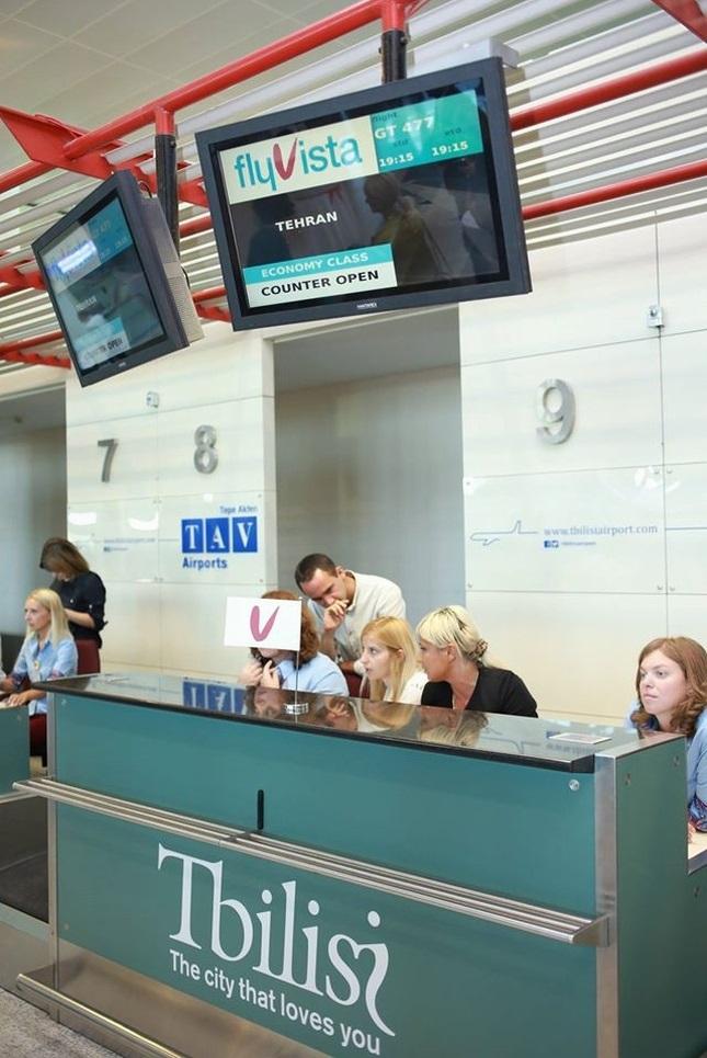 مراسم افتتاح پروازهای هواپیمایی 'فلای ویستا' در فرودگاه بین المللی تفلیس