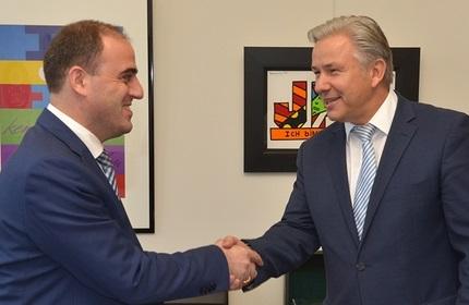 شهردار تفلیس (چپ) و شهردار برلین (راست)