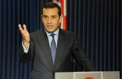ایراکلی آلاسانیا، وزیر برکنار شده وزارت دفاع گرجستان