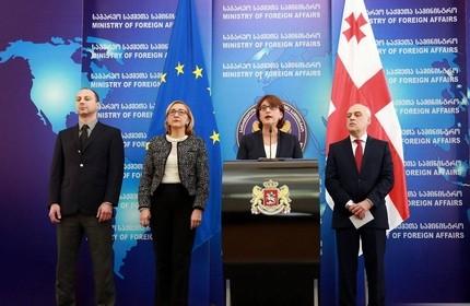 در اعتراض به برکناری وزیر دفاع، وزیر خارجه گرجستان استعفا داد