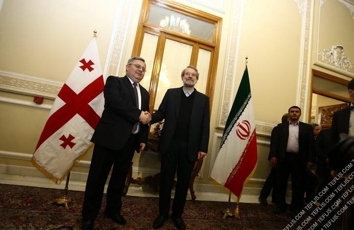 داویت اوسوپاشویلی، رییس پارلمان گرجستان (چپ) و علی لاریجانی رییس مجلس ایران