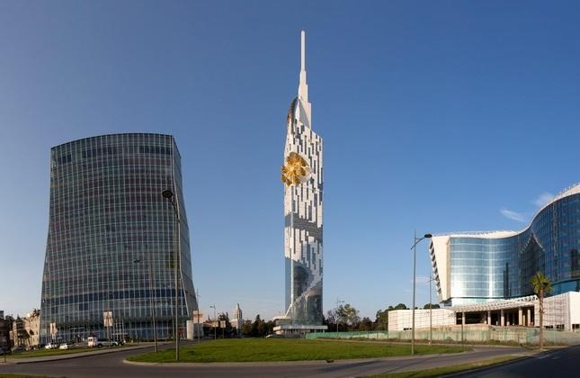 برج باتومی (وسط)، گرجستان