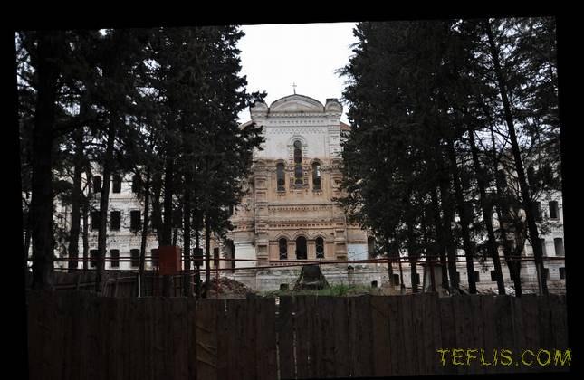 بیمارستان نهم در حال بازسازی جهت تبدیل به مدرسه مذهبی