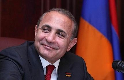 هوویک آبراهامیان، نخست وزیر ارمنستان