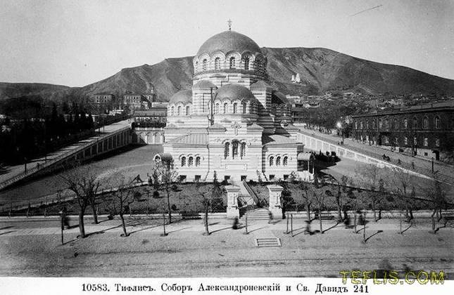 کلیسای جامع نظامی سنت الکساندر نوسکی، 1900 میلادی
