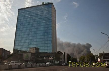 بازار مصالح ساختمانی تفلیس دچار حریق شد
