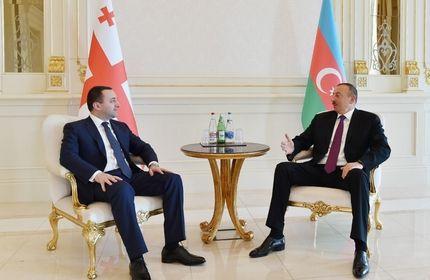 ایراکلی قریباشویلی نخست وزیر گرجستان (چپ) و الهام علی اف رئیس جمهور جمهوری آذربایجان