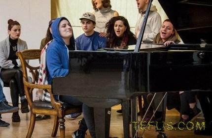 ثبت رکورد 25 ساعت پیانو نوازی در گرجستان