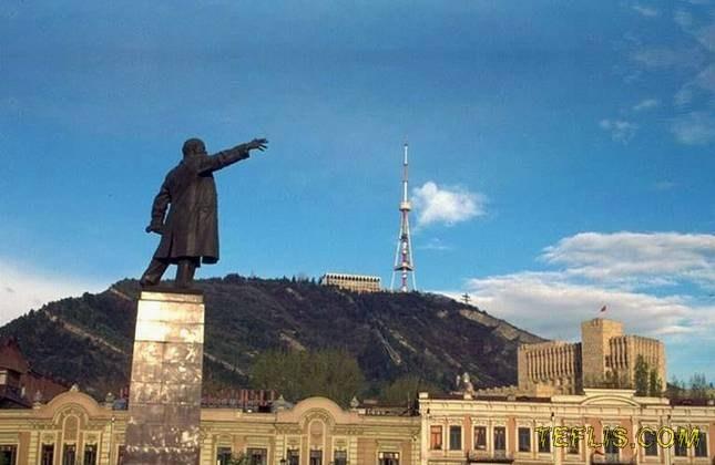 مجسمه لنین، میدان آزادی فعلی، 1985 میلادی