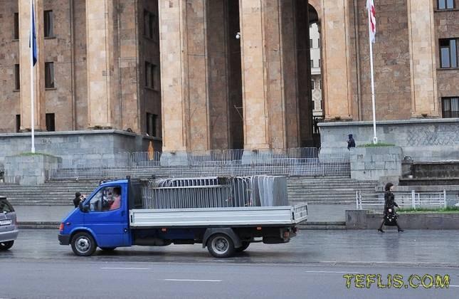 خیابان روستاولی، ساختمان سابق پارلمان گرجستان