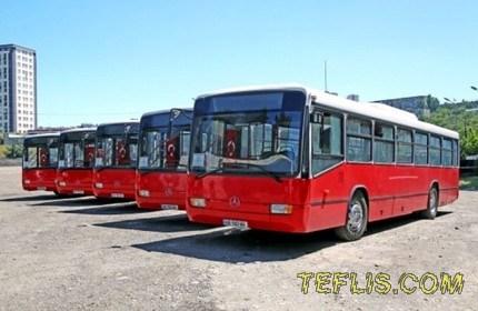 اتوبوس های شهری در مسیر فرودگاه بین المللی تفلیس و ایستگاه مرکزی راه آهن