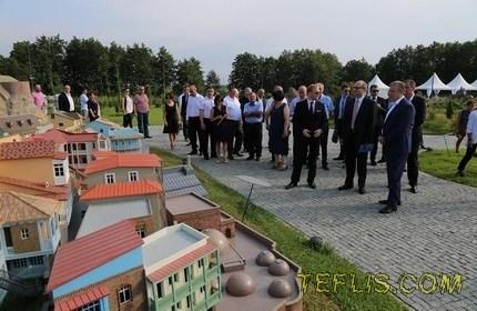 پارک مینیاتوری ' شکوِتیلی ' در گرجستان